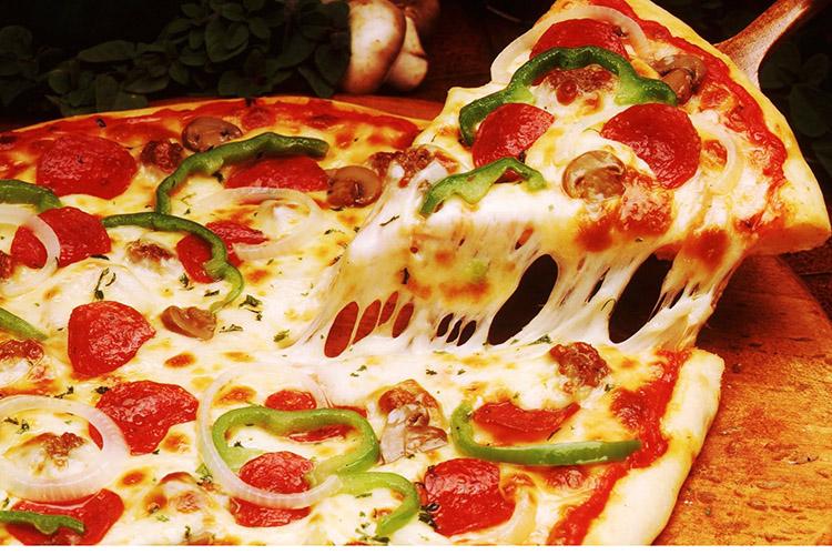 uy sharoitida pitsa